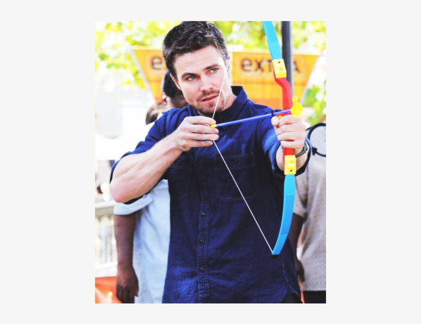 Stephen Amell, How So Hot - Green Arrow Shooting An Arrow - Free ...